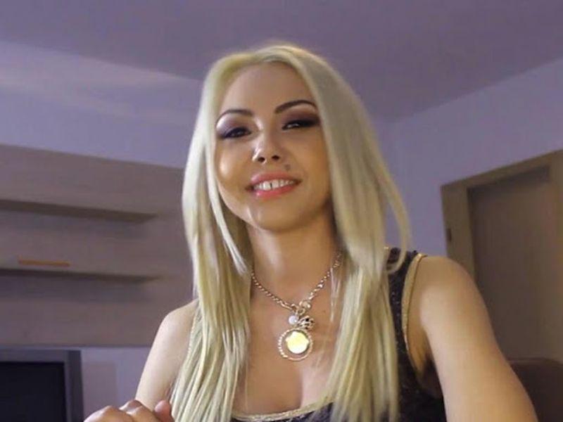 Imagini de ultim moment din casa Denisei Manelista din Drăgășani