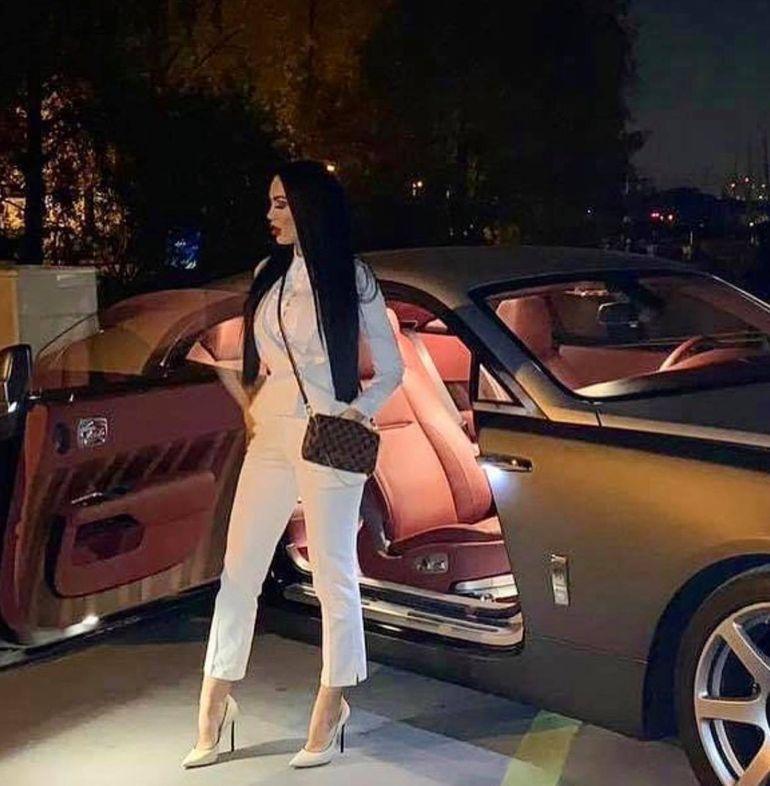 """VIDEO: Bianca Pop nu iartă! În ce scandal se află mai nou, vedeta cu 1.000 de euro cash! """"Acum sun la poliție"""""""
