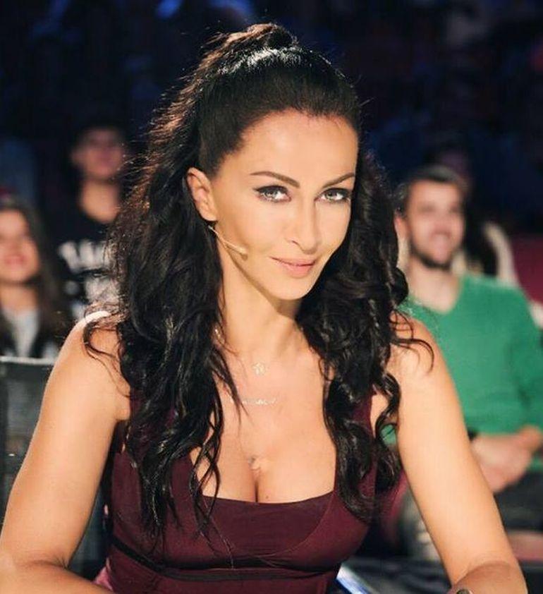 Mihaela Rădulescu și-a sărbătorit astăzi ziua de naștere!Cum arată vedeta de televiziune la 51 de ani?