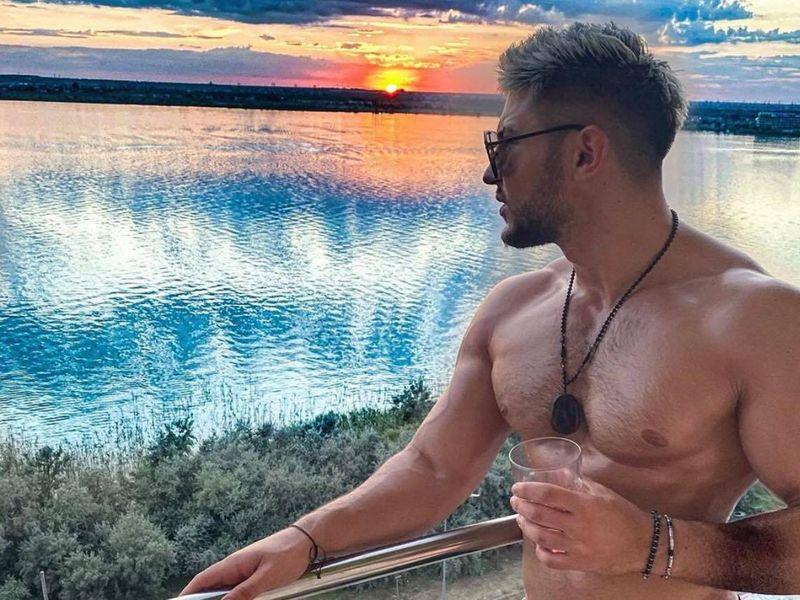"""Bogdan Mocanu își petrece timpul cu o cântăreață cunoscută: """"Se vede mâna unei femei în casă"""". Andra Volos, reacție neașteptată!"""