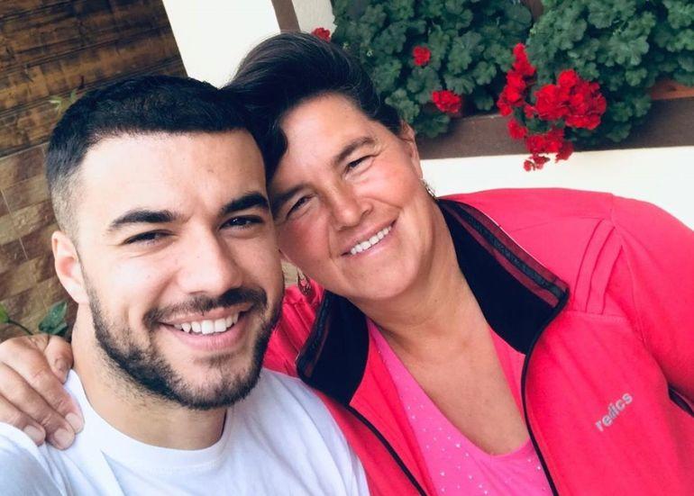 """Mama lui Culiță Sterp și-a dat cu părerea despre toate divele operate din showbiz-ul românesc: """"Arată ca un clovn"""""""