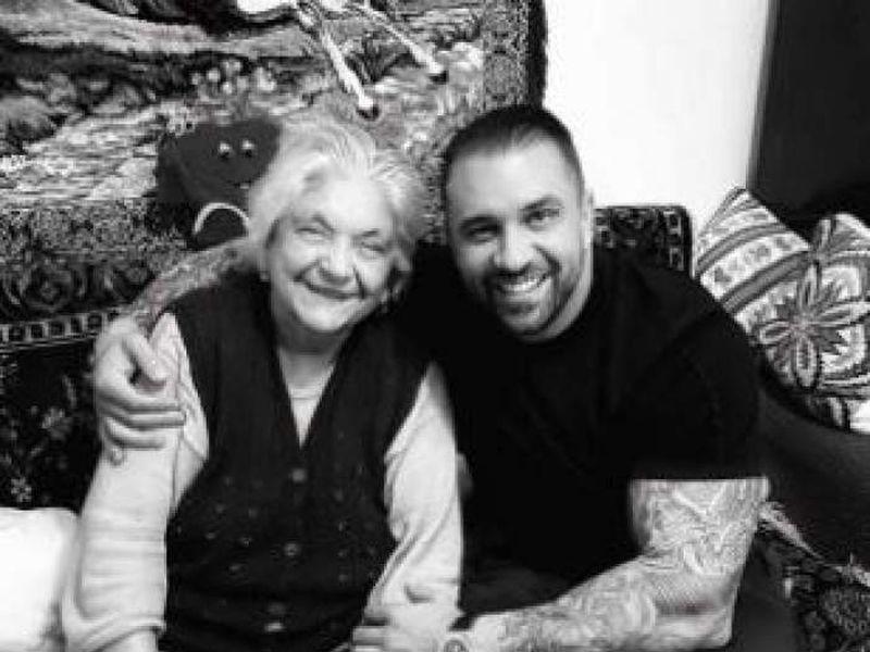 Alex Bodi și bunica lui