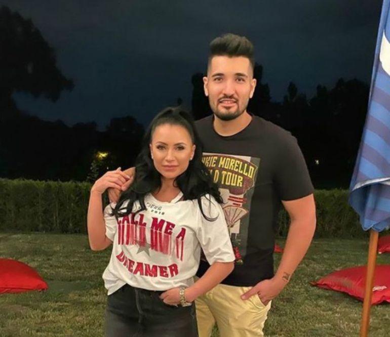 Un nou scandal cutremură lumea mondenă. Soția cântărețului Nadir Tamuz, model de videochat. Imagini incediare cu bruneta în timpul prestației au fost făcute publice FOTO