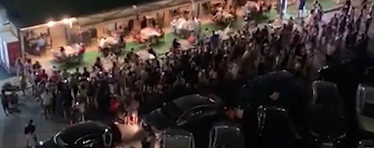 Concertul unui manelist celebru, stricat de polițiști! Vali Vijelie, amendat de oamenii legii în stațiunea Mamaia