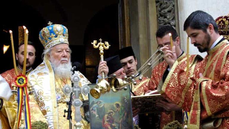 Ce salariu are, de fapt, un preot cu parohie la o biserică din București