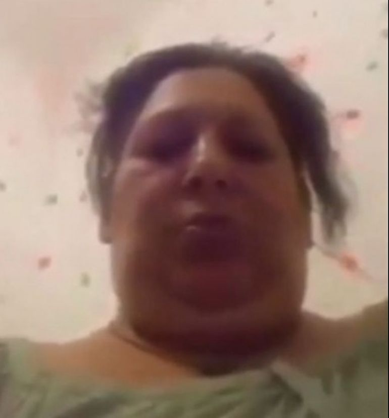 Momente teribile! O mamă din București se filmează în timp ce își lovește propriul copil! Femeia a fost arestată după ce imaginile au devenit virale