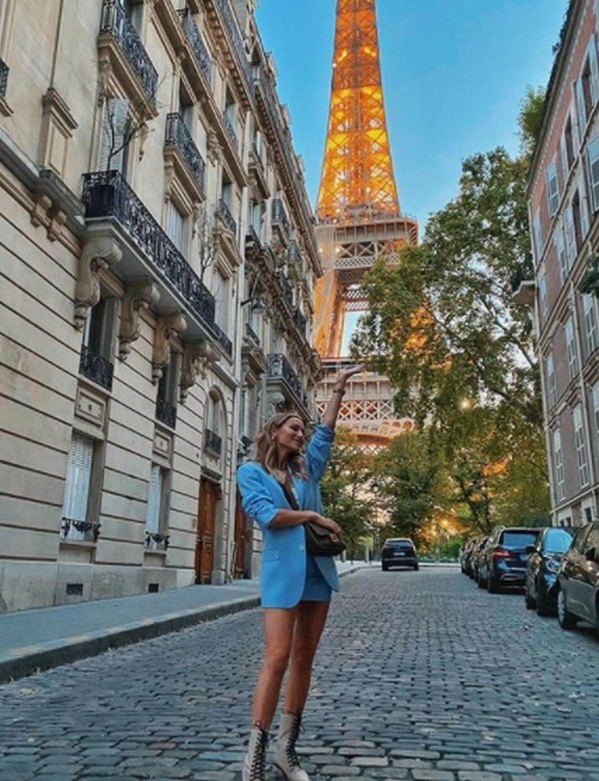 Intalnirea femeii insarcinate Paris