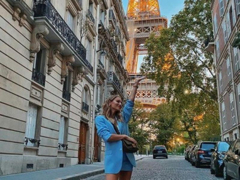 Intalnirea femeii din Paris)