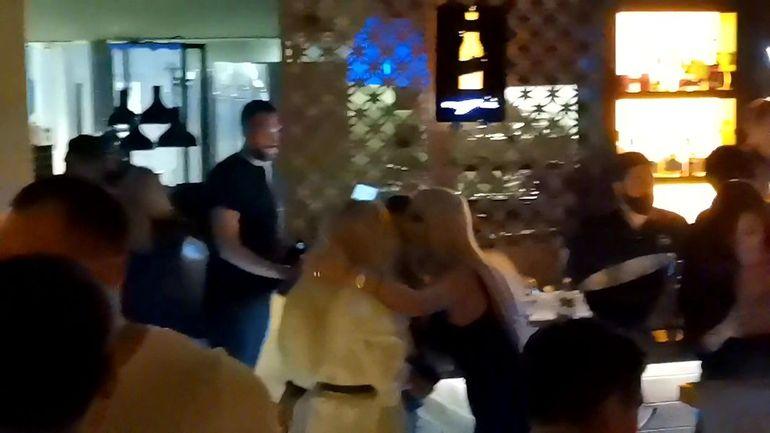 Ce s-a întâmplat între Simona Trașcă și Loredana Chivu în club, după câteva pahare! I-a dat un cap în gură, de față cu toată lumea, iar apoi... FOTO