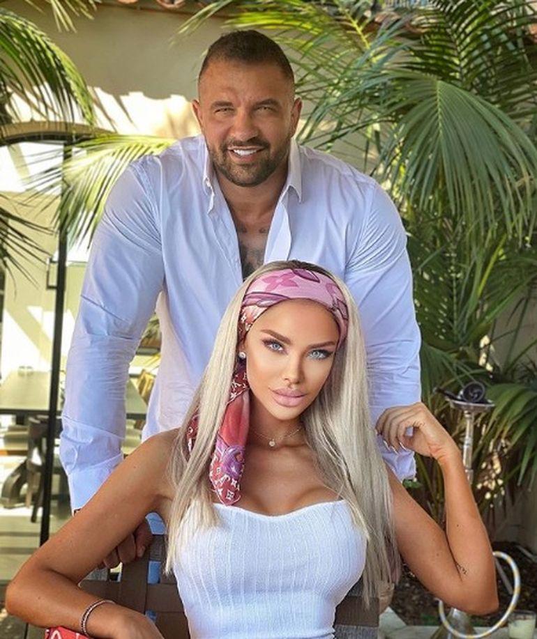 Imagini HALUCINANTE cu Bianca Drăgușanu bătută! Abia se mai ține pe picioare
