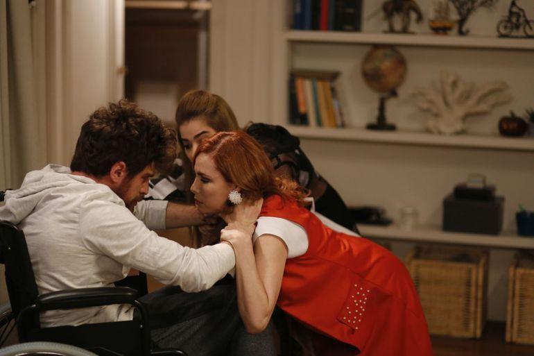 "In aceasta seara, de la ora 20:00, in ""Nemilosul Istanbul"",  Cenk isi declara dragostea"
