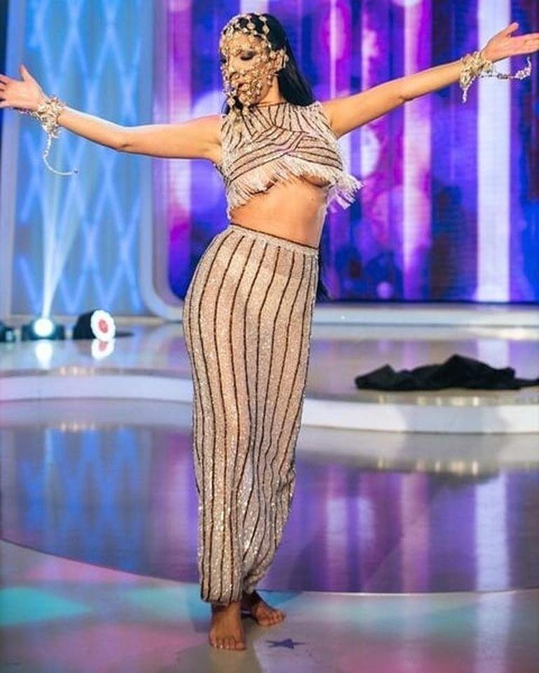 Andreea Tonciu a dansat în sânii goi la Bravo, ai stil! Celebrities! Fanii au criticat-o dur