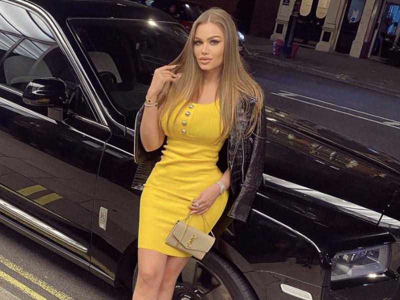Daria Radionova își vinde hainele pe Internet