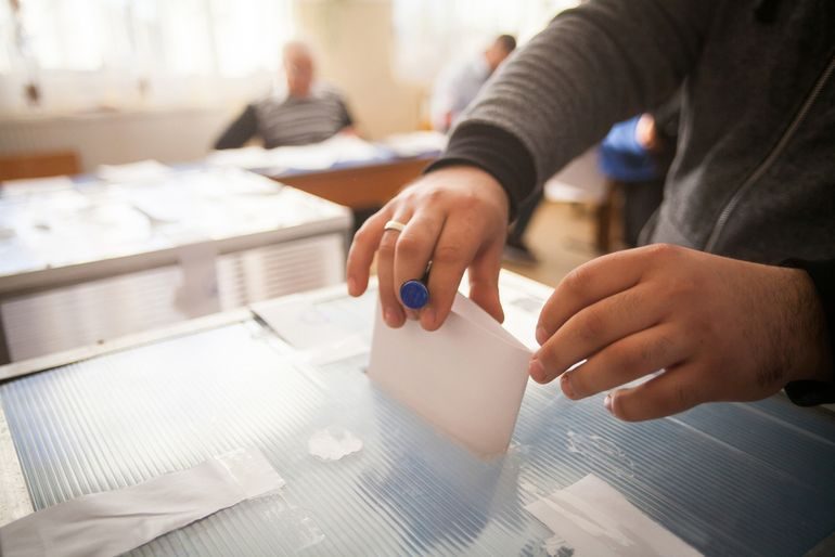 Data alegeri parlamentare 2020. Românii sunt chemați la urne pentru a-și alege deputații și senatorii