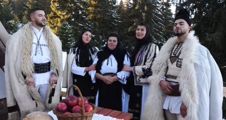 """Culiță Sterp și frații Iancu, Geta, Ileana, prima colaborare cu muzică de sărbători! """"Lacrimi curg pe obraz când asculți colajul ăsta..."""""""