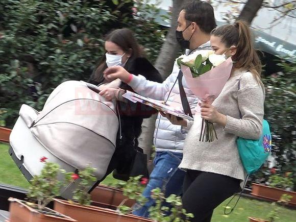 VIDEO. Ștefan Stan și-a scos fetița și soția din maternitate! PRIMELE IMAGINI de la externare!