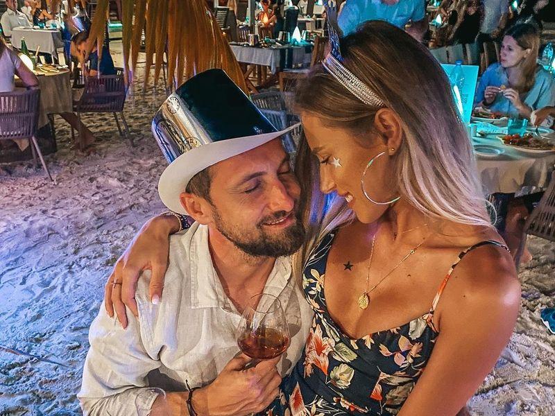 Dani Oțil și Gabriela Prisăcariu, fotografie incendiară