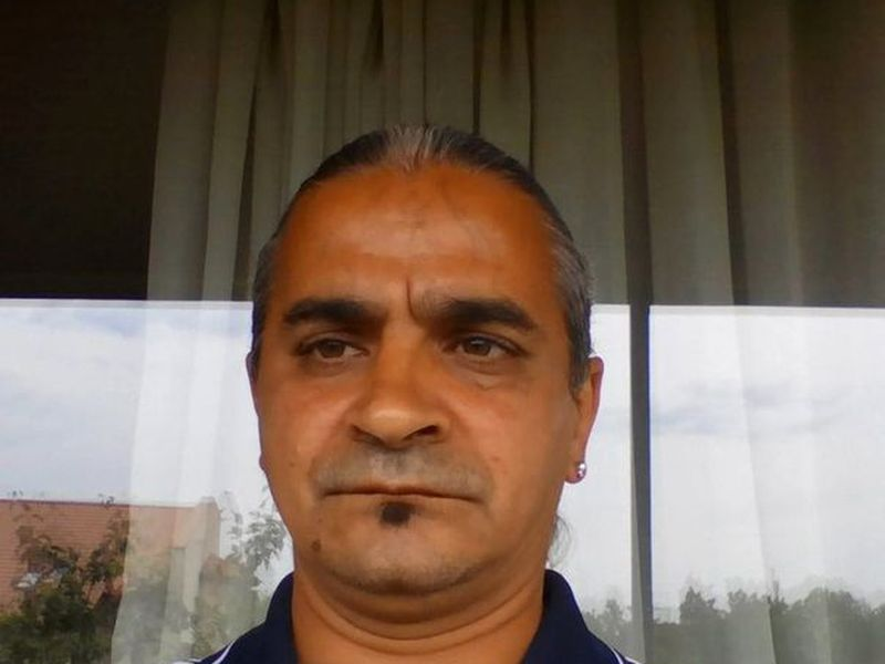 Un criminal român a ieșit la colindat