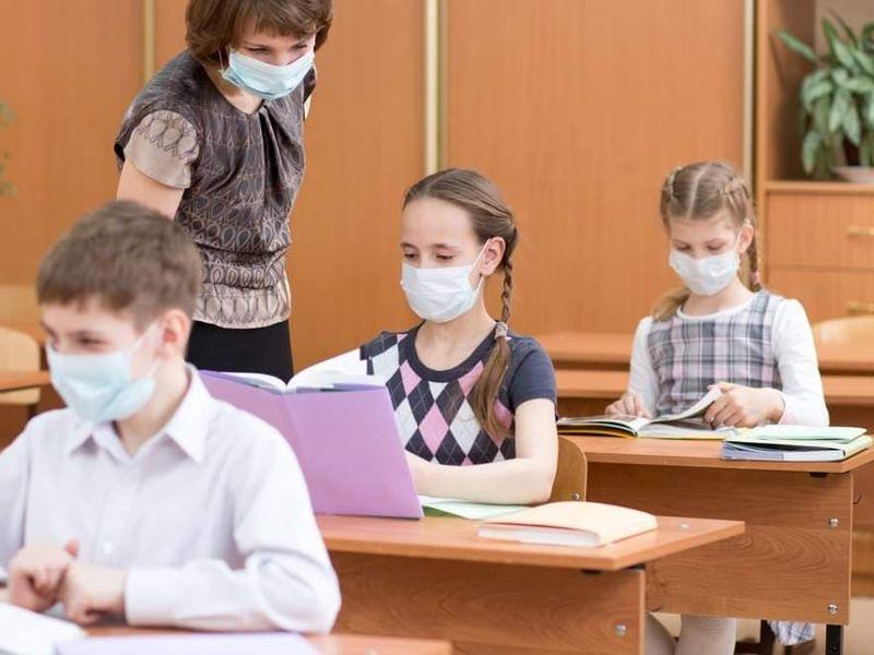 Elevii ar putea fi chemați la școală și sâmbăta