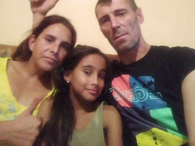 Alexandra și Ionuț Bodi, alături de fiica lor