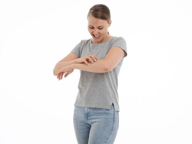 Care sunt cele mai comune cauze ale alergiilor de piele