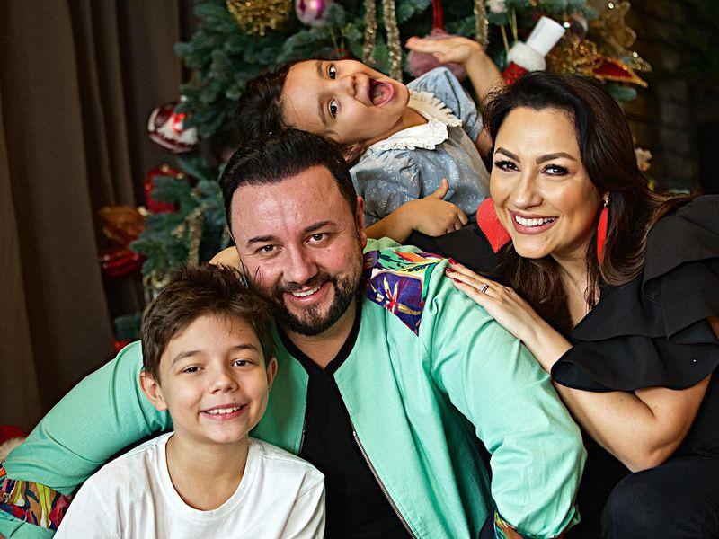 Andra și Cătălin Măruță, alături de copii