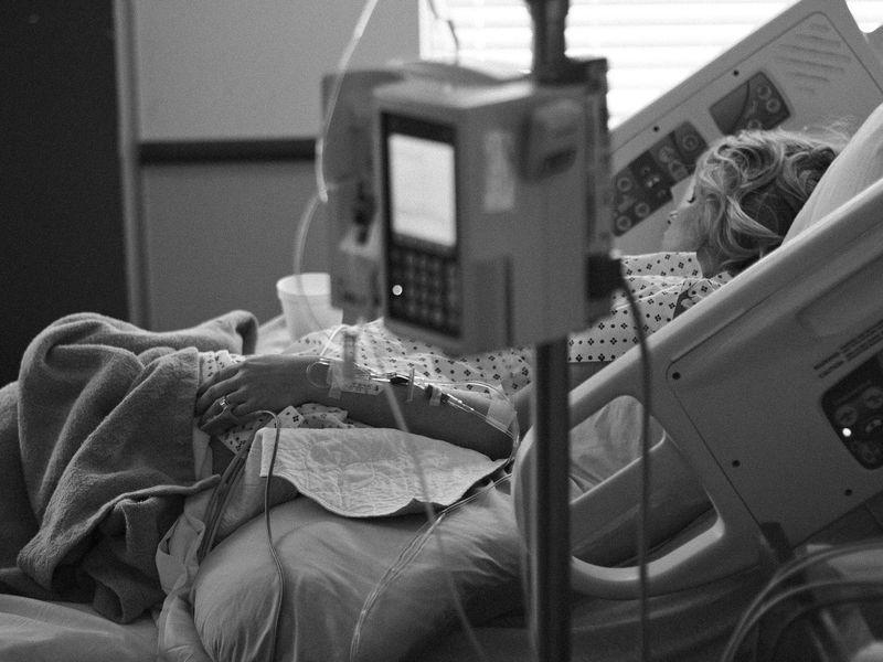 """Bilanțul pacienților decedați ajunge la 17, după incendiul îngrozitor de la Institutul """"Matei Balș""""!"""