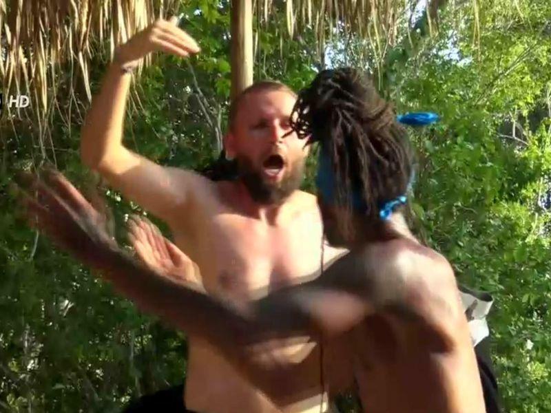 Alin Sălăjean și Musty, la un pas de bătaie în jungla Dominicană