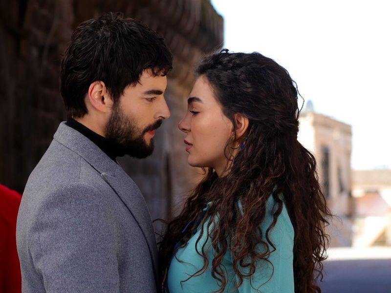 """Ebru Șahin, Reyyan, din îndrăgitul serial """"Hercai"""""""