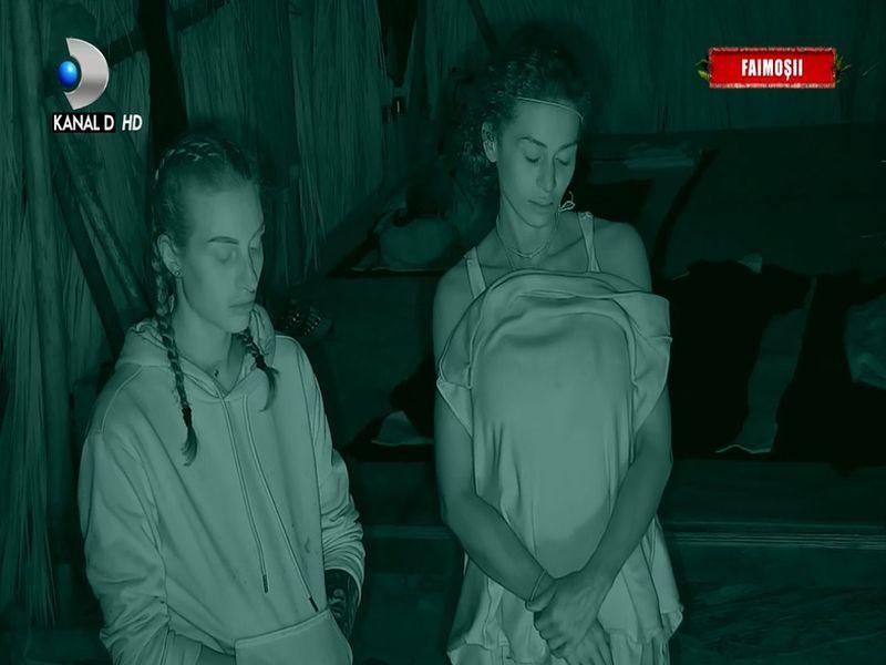 Băieții din echipa Faimoșilor dau cărțile pe față, într-o întâlnire secretă pe plajă! Care este adevărata părere despre Majda de la Survivor:
