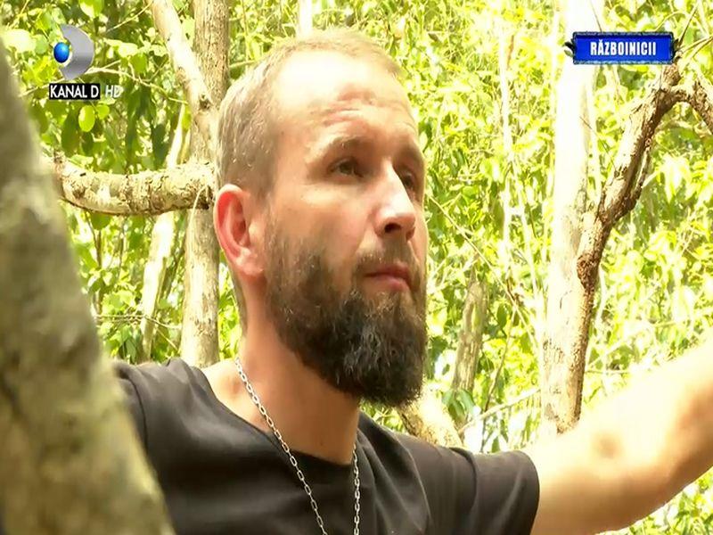Echipa Războinicilor împărțită în două tabere la Survivor România 2021. Alin este luat în vizor de către colegii săi