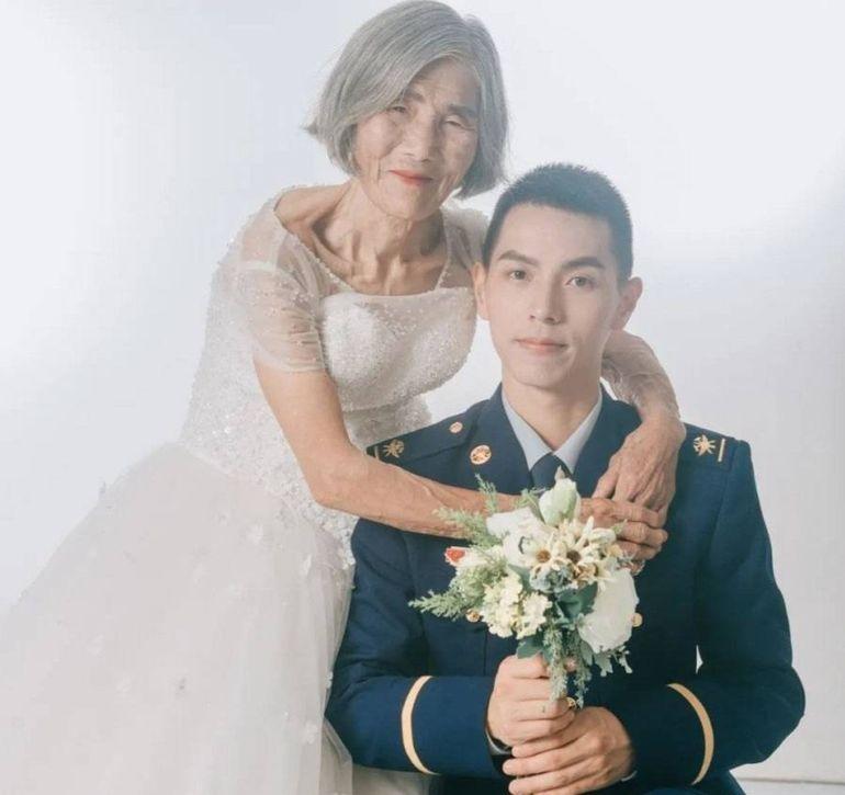 """Adevărul din spatele unei fotografii emoționante! Bătrâna de 85 de ani a șocat întreg internetul după ce a apărut cu """"soțul"""" de 24 de ani"""