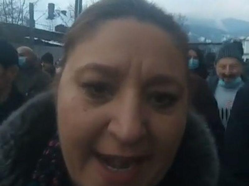 Diana Șoșoacă s-a alăturat grevei minerilor din Valea Jiului! Fosta senatoarea AUR a vrut să intre în mină: