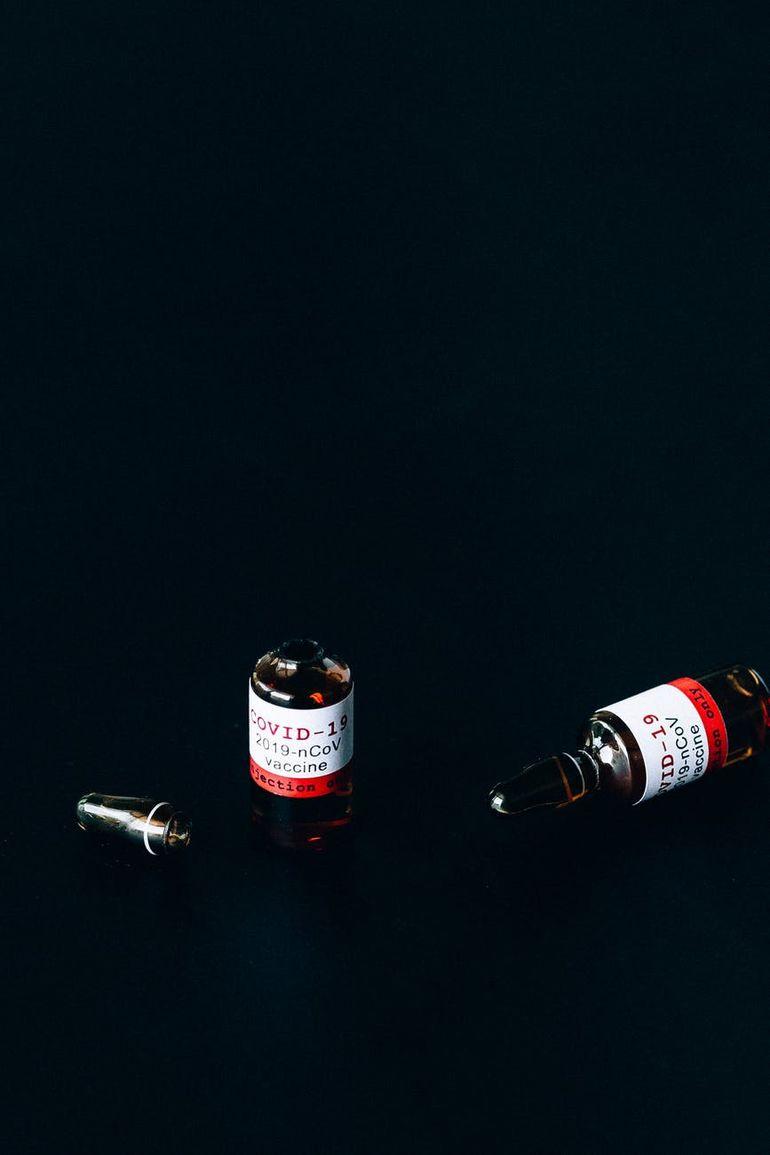 Cea de-a zecea tranșă de vaccin de la Pfizer BioNTech ajunge astăzi în România
