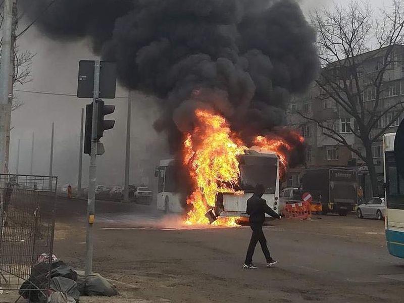 Incendiu într-un autobuz din Galați