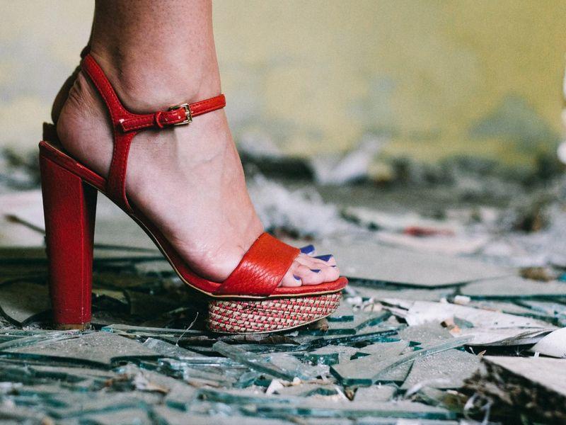 Niciodata nu e prea devreme sa alegi sandale de dama din piele pentru vara!