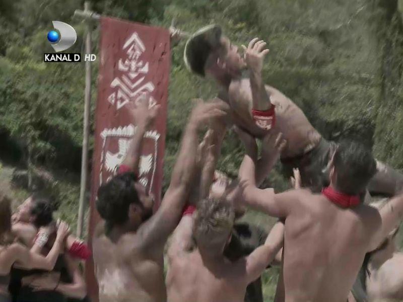 Faimoșii întrerup seria înfrângerilor și câștigă meciul de recompensă la Survivor România
