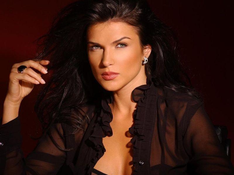 Monica Bârlădeanu super sexy la 42 ani