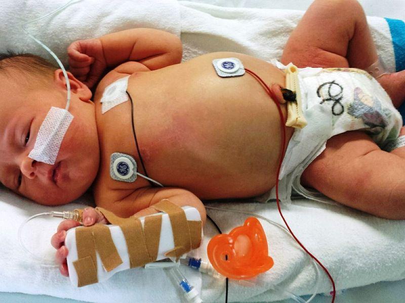 O fetiță de 40 de zile a ajuns la spital!