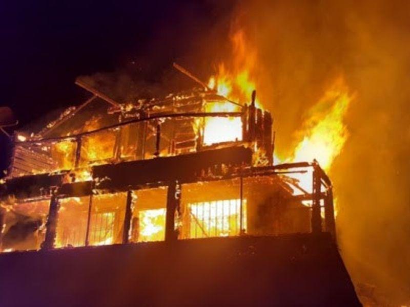 Incendiu puternic la o cabană din Cluj