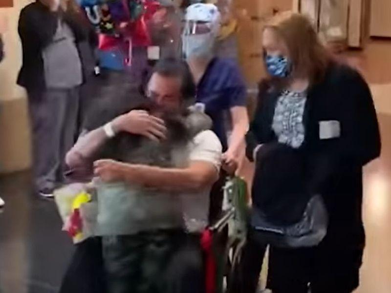 Un bărbat a fost externat după 72 de zile de stat în spital!