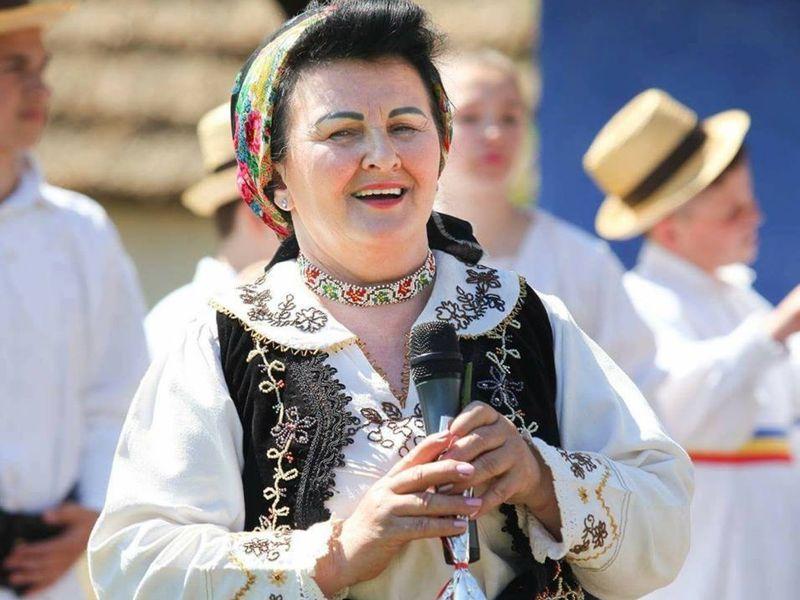 Cine este mătușa Malvina de la Mireasa - Urzeala soacrelor