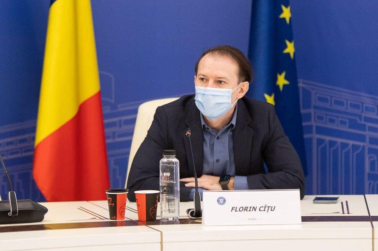 """Florin Cîțu, despre cum vor călători românii prin țară vara aceasta: """"Nu sunt adeptul ideii de a diviza populația în """"vaccinați"""" și """"nevaccinați"""""""