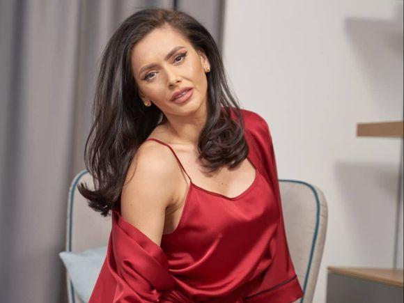 Raluca Dumitru, concurentă la Survivor România. Fosta asistentă TV se gândește la Marele Premiu