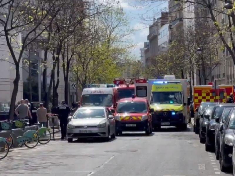 Atac armat în fața unui spital din Paris! O persoană a murit și o alta este rănită