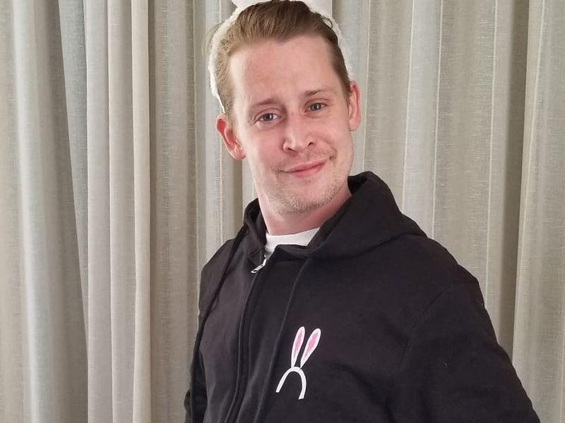 Macaulay Culkin a devenit tată pentru prima oară! Cine este iubita lui Kevin din Singur acasă