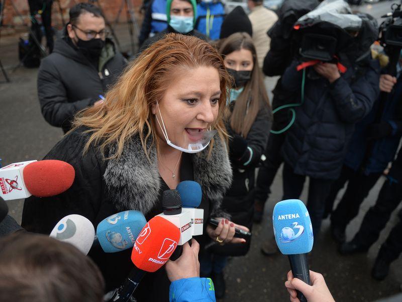 Diana Șoșoacă, din nou în centrul atenției! A intrat cu forța în Comisia Juridică din Parlament și a făcut acuzații