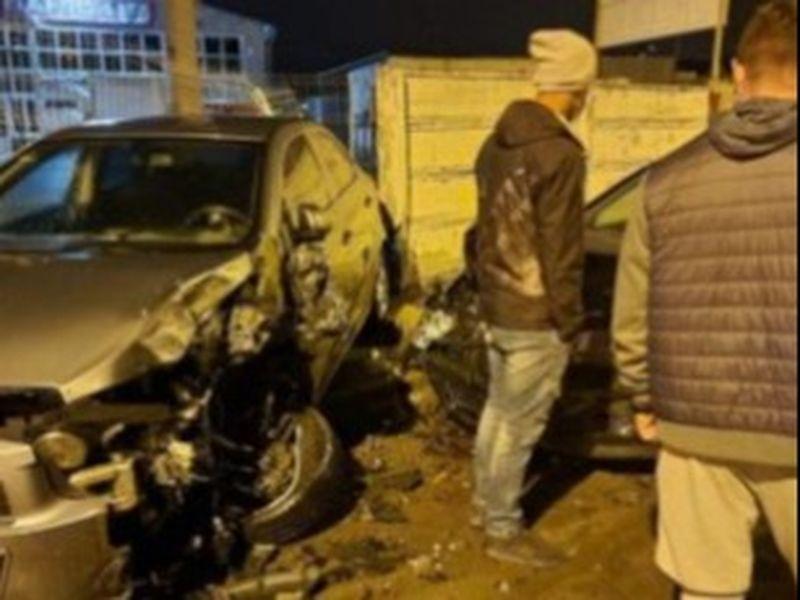 A distrus circa 16 mașini