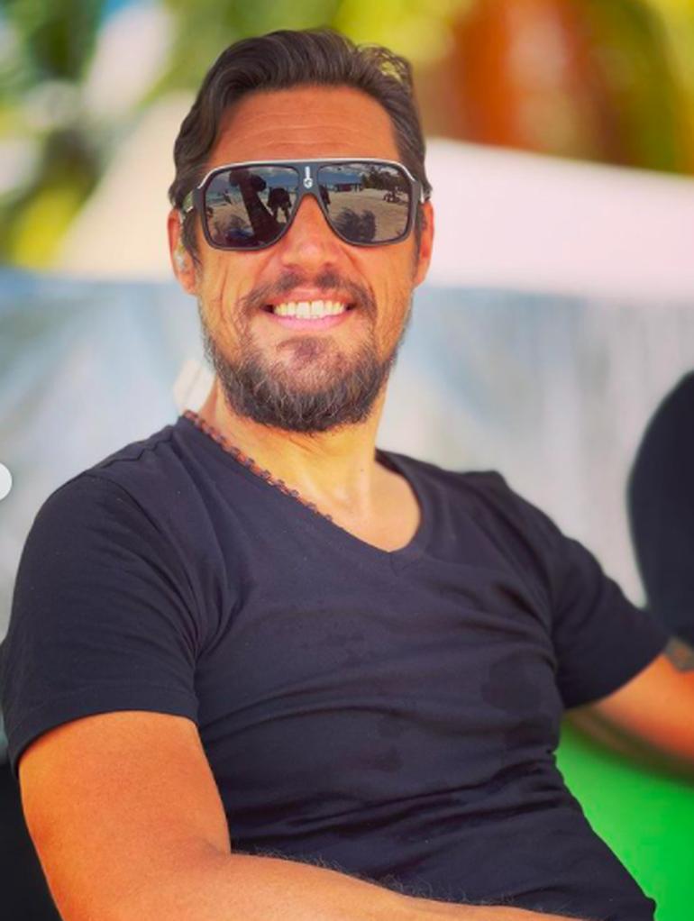Afecțiunea de care suferă Daniel Pavel, prezentatorul Survivor România, după 3 luni în Republica Dominicană! De asta poartă ochelari mereu