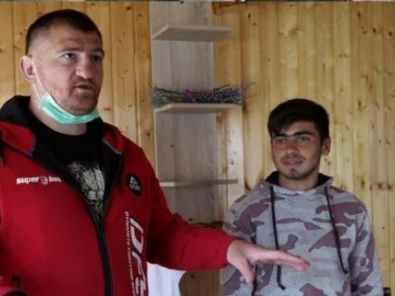 Sergiu Ciobotariu, tăticul călăreț, înapoi la vechile obiceiuri. Declarațiile neașteptate ale vecinilor: